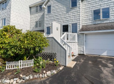 25 Long Beach Avenue York Maine